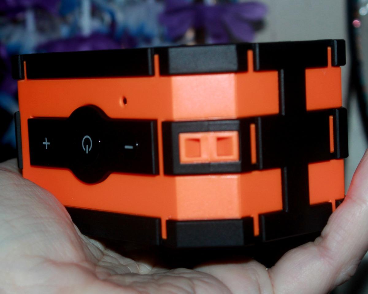 review jtd armor portable bluetooth speaker waterproof nfr6k reviews. Black Bedroom Furniture Sets. Home Design Ideas